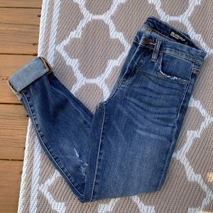 BLANK NYC Mid Rise Skinny Jeans Size 26